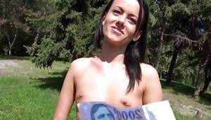 Brunette sexy bitch is posing lovely on free porn